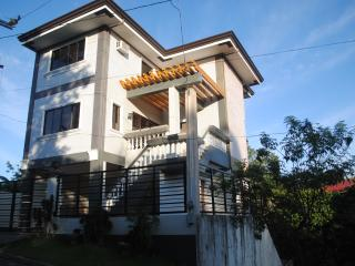 Cheap vacation house in Tagaytay