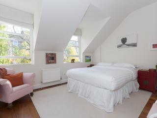 onefinestay - Highbury Terrace Mews II apartment, London