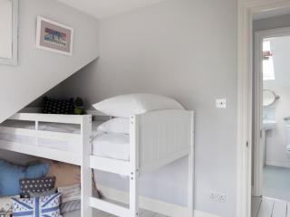 onefinestay - Highlever Road VIII apartment, London