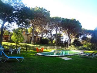 Charming and Private Villa in Santa Cristina D´Aro, Santa Cristina d'Aro