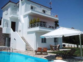 Perfect Family Villa with Pool, A/C, WiFi, Views, Asini