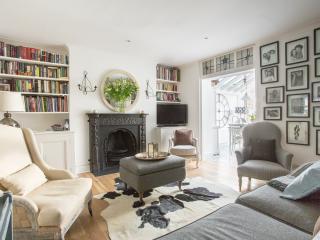 onefinestay - Kensington Church Street IV apartment, London
