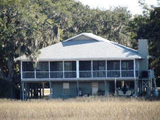 """1303-A Jungle Rd - """"La Marsh Inn"""", Isla de Edisto"""