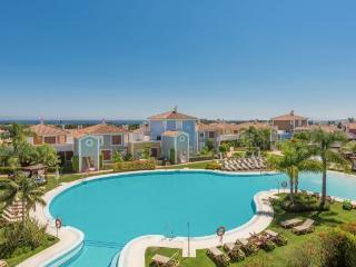 Cortijo del Mar Apartment with pool, golf, Marbella