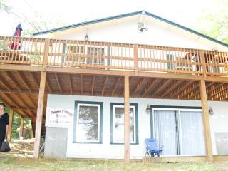 Waterfront, dock 2 bedroom house on Sawyer Lake, Gilmanton