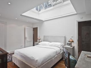 onefinestay - Oldbury Place apartment, London