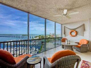 Luxury Condo close to downtown, Fort Myers
