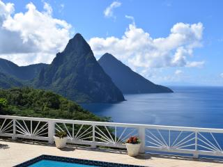 Serene, spacious, updated private villa with staff. Postcard-perfect views!, Soufriere