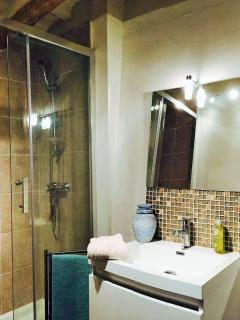 Bath room  new from january 2016 Warm and confortable