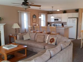 3 BR 2 Bth Condo Near Convention Center (Families), Wildwood