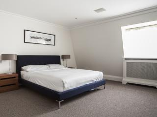 onefinestay - Queens Gate Place Mews apartment, London