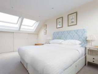 onefinestay - Silverton Road apartment, Londres