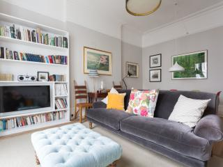 onefinestay - Sinclair Gardens apartment, Londres