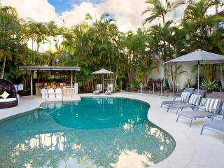 Noosa Tropicana - Two-Bedroom Apartment, Noosaville