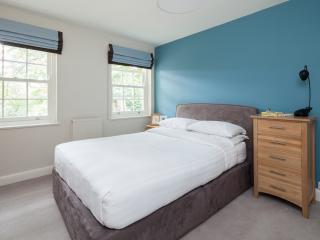 onefinestay - St Mary's Grove apartment, London