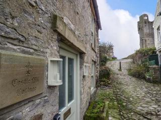 CASTLE HILL COTTAGE, exposed beams, close to castle, pet-friendly, WiFi, in Middleham, Ref 928299