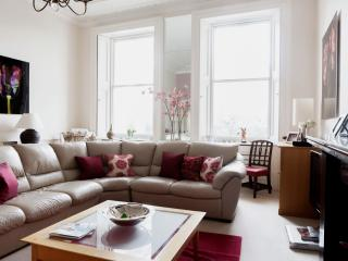 onefinestay - Warwick Square private home, London