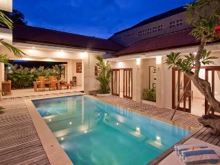 Amazing Villa Kubu d' Kuwum centered location