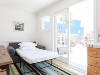 onefinestay - Venice Canal House, Los Angeles