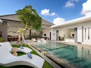 VILLA KYAH - ULTRA MODERN VILLA, SUPER AFFORDABLE, DAILY MAID