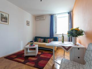 Luccari a cosy apartment for 4, Dubrovnik