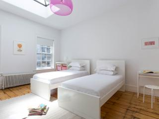 onefinestay - Jane Street Townhouse private home, New York City