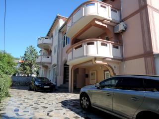 Apartment IVKA 3 - 30 m from beach, Malinska