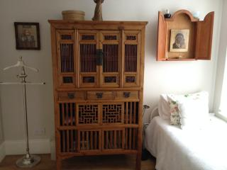 CHARMING BRIGHT SINGLE VICTORIAN BEDROOM, RICHMOND, Richmond-upon-Thames