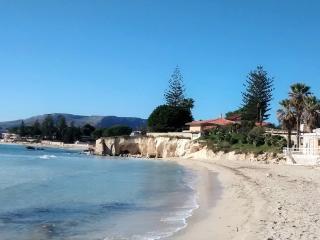 Jasmine House, 100 m sandy beach