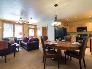 6116 Bear Lodge, Trappeurs