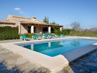 Villa with private pool in Pollensa (Almadrava), Pollença