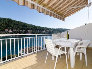 Apartments Kuzma- Two-Bedroom Apartment with Balcony and Sea View, Korcula Town