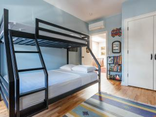 onefinestay - Waverly Avenue Townhouse apartment, New York