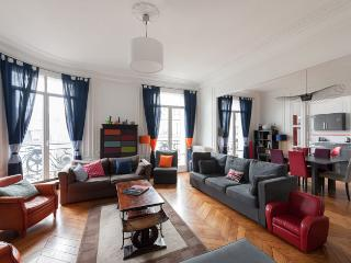 onefinestay - Avenue Paul Doumer II private home, Paris