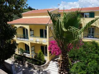 APARTMENT WITH 1 BEDROOM.KITCHEN AND DINING ROOM, Kavos