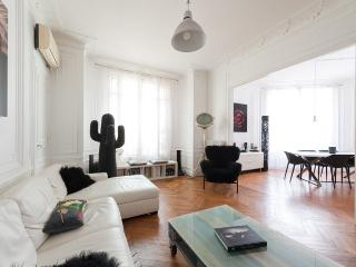 onefinestay - Boulevard Saint-Germain V private home, París