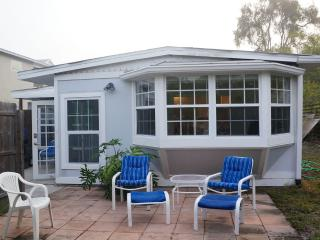 2 bedroom/1 bath Contemporary Beach Cottage, Siesta Key