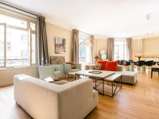 onefinestay - Rue André Colledeboeuf private home, Paris