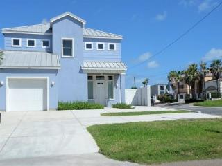 Stunning Gulf view home with a great kitchen, right on the beach!, South Padre Island