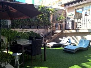 Nice 4 bedroom, 2 bathroom townhouse, located only 700 meters from the Palais