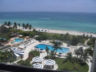 Beach front condo with direct beach and pool view