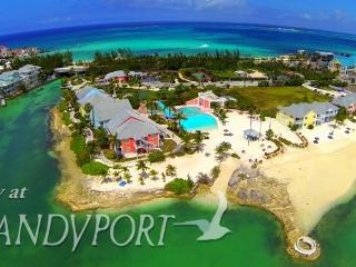 Sandyport Beach Resort: 2-BR 2.5 BA Sleeps up to 8