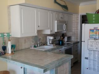 STEPS FROM BEACH & BOARDWALK!!, North Wildwood