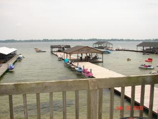 2 Bedroom Waterfront Condo on Beautiful White Lake, Elizabethtown