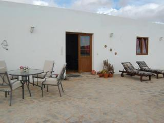 Casita Blanca is a luxury 2 bedroom rural villa, Teguise