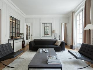 One Fine Stay - Rue d'Edimbourg apartment, Paris