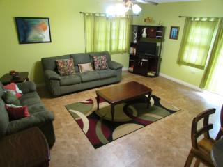 Centrally located vacation home, Kingston