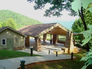 Asheville Mountain Spa & Nature Retreat