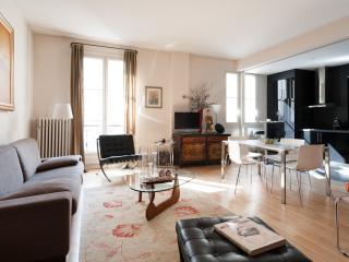 One Fine Stay - Rue du Faubourg Saint-Denis apartment