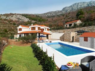 Stunning view - Luxury Villa Bobica Split, Kastel Kambelovac